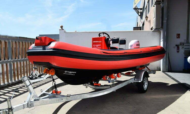 Cobra Sailing 580T remolque